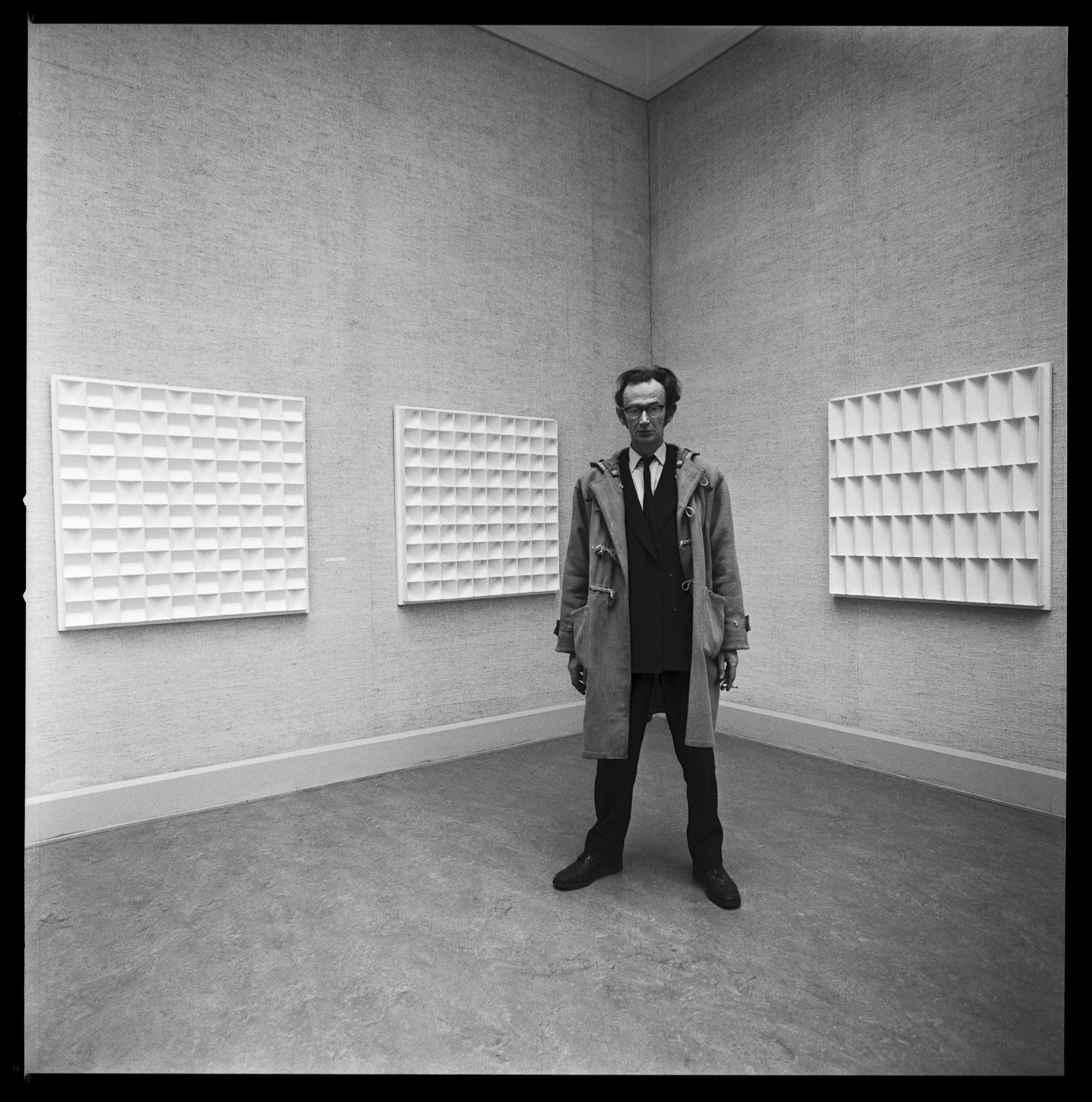 Jan Schoonhoven, by Lothar Wolleh