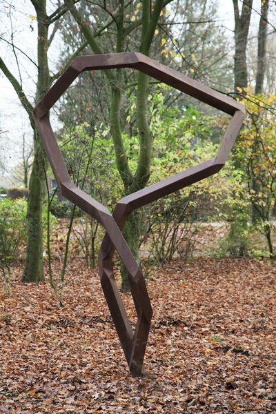 Robert Schad, ELLERD, 2012 - vierkantstaal 262 × 147 × 87 cm