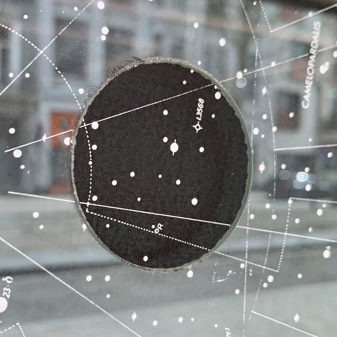 Wido Blokland, Occhio di Dio - 2017 star maps, swallow tail on board, cut glass, frame 42 x 38 cm